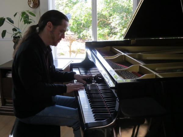 Pianote April 2021, image 1
